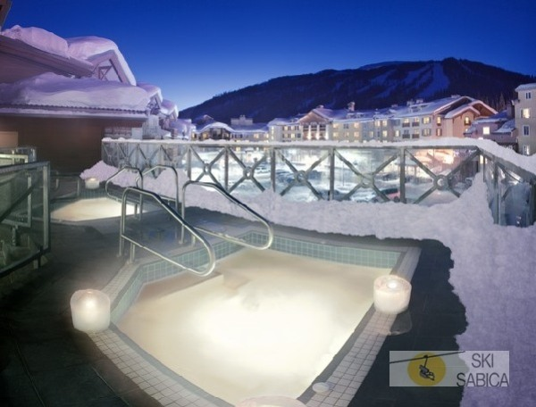 Delta Residences at Sun Peaks. Jacuzzi.