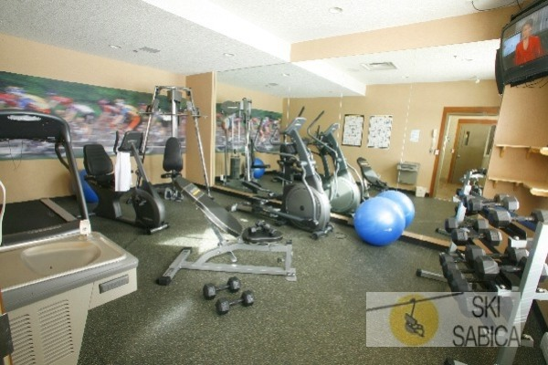 Best Western Fernie Mountain Lodge. Gimnasio.