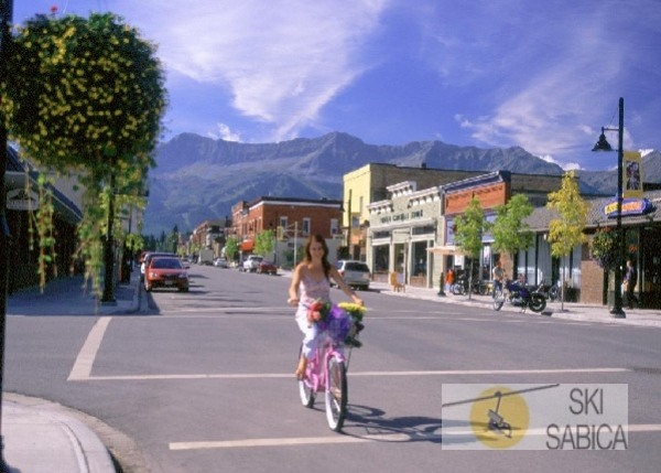Best Western Fernie Mountain Lodge.  Pueblo de Fernie.