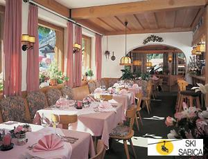 Hotel Mittagskogel. Restaurante