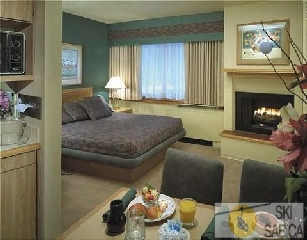 Tahoe Seasons Resort. Vista interior suite.