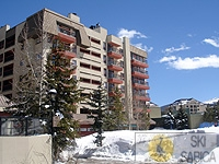 Ski Village Resorts. Vista exterior.