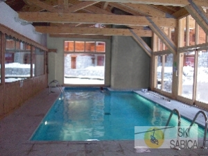 Residencia LG Les Chalets Edelweiss. Piscina.